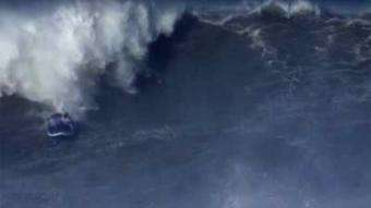 SUP Magazine: Tandem SUP Surfing Giant Waves at Nazaré