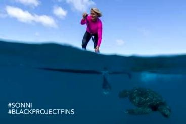 Black project Fins: Sonni Hoenscheid joins Black Project SUP team
