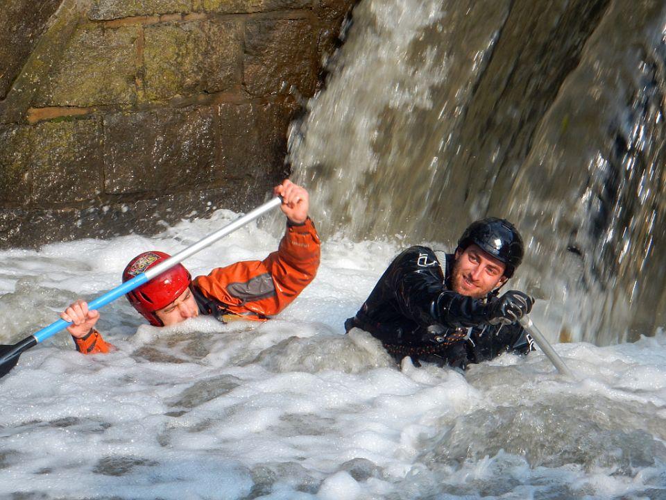 Canoeing Botič. http://www.horydoly.cz/vodaci/botic-letos-nebyl-zaludny-topil-vodaky-jen-na-znamych-mistech.html