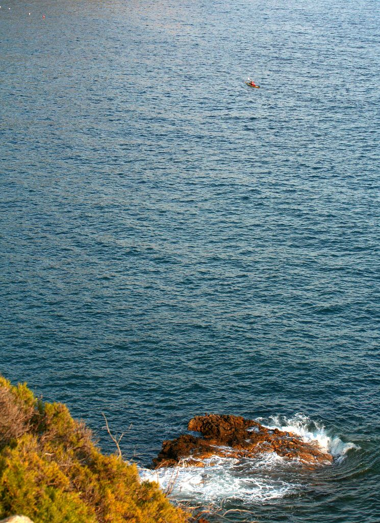 Elba, Punta Calamita https://www.horydoly.cz/vodaci/elba-plujeme-na-morskem-kajaku-okolo-ostrova.html