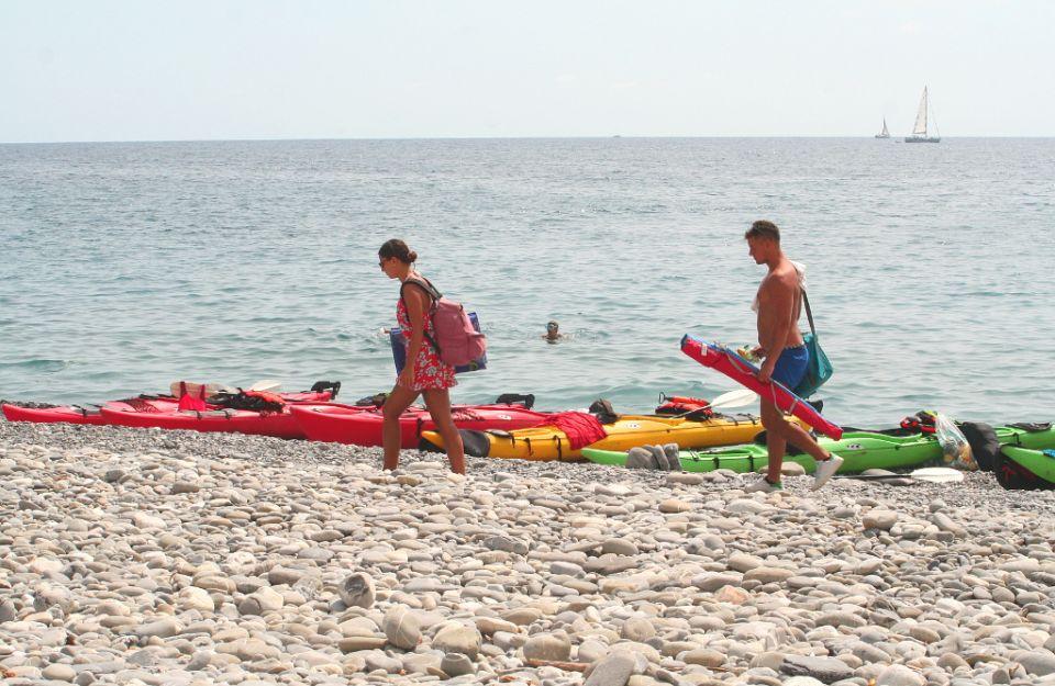 Elba, Palombaia Beach https://www.horydoly.cz/vodaci/elba-plujeme-na-morskem-kajaku-okolo-ostrova.html