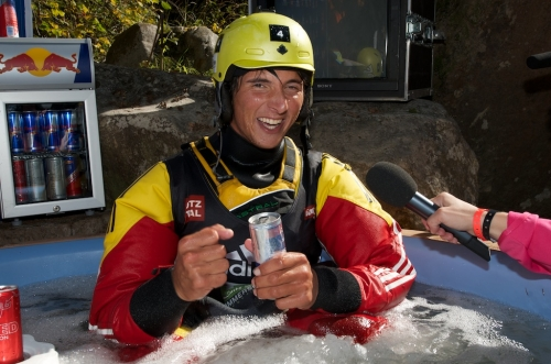 Sam Sutton reclaims title as Extreme Kayak World Champion - _MArnuSickline111980_1317580031