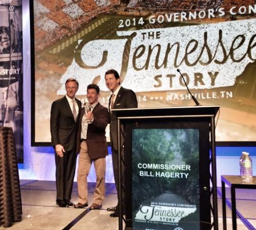 Jackson Kayak Gets Governor's Award for Excellence - 14600_tn-jk-award-1416408947
