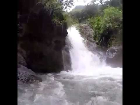 Cliff jump Nepal