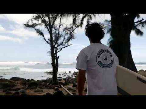 Mo Freitas SUP Surfing NorthShore